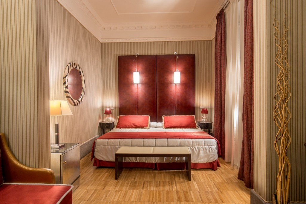 Hotel-Morgana-Rome-luxury-room1