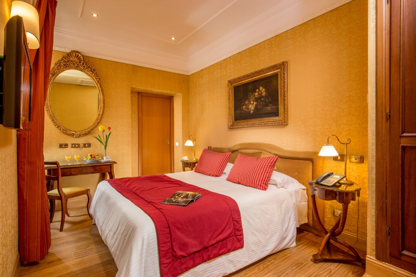 Hotel-Morgana-Rome-deluxe-room-