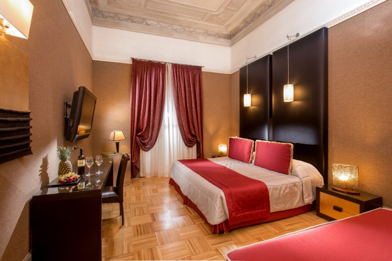Hotel-Morgana-Rome-luxury-room